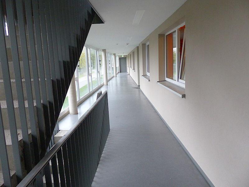 OIKOS 03 Hallway